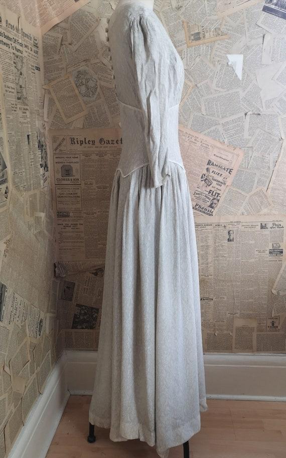 Vintage 1930s button back dress, embroidered - image 2