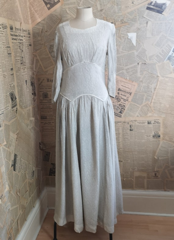 Vintage 1930s button back dress, embroidered - image 5