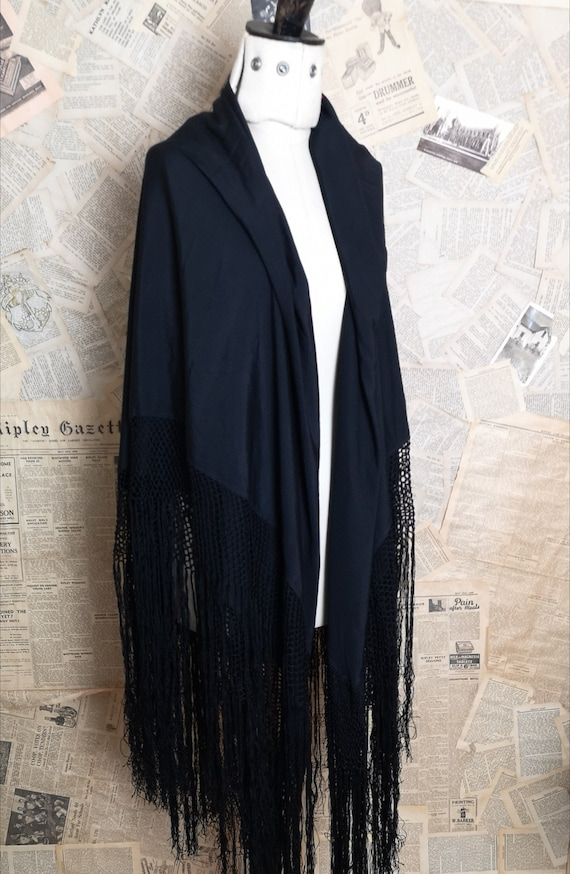 Vintage 30s Black silk shawl, Art Deco