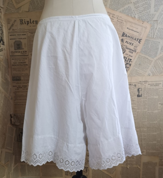 Antique Victorian cotton bloomers, knickers, brod… - image 3