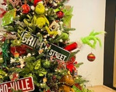 Grinch hand, fingers, wrist and arm are bendable! You can adjust to your liking, grinch arm for Christmas tree