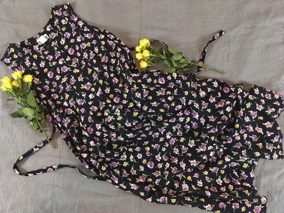 vintage floral dress / purple ditsy print / cottag