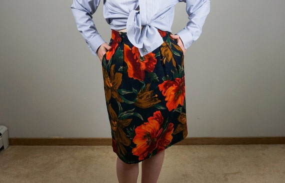 Fitted Floral Skirt with Pockets