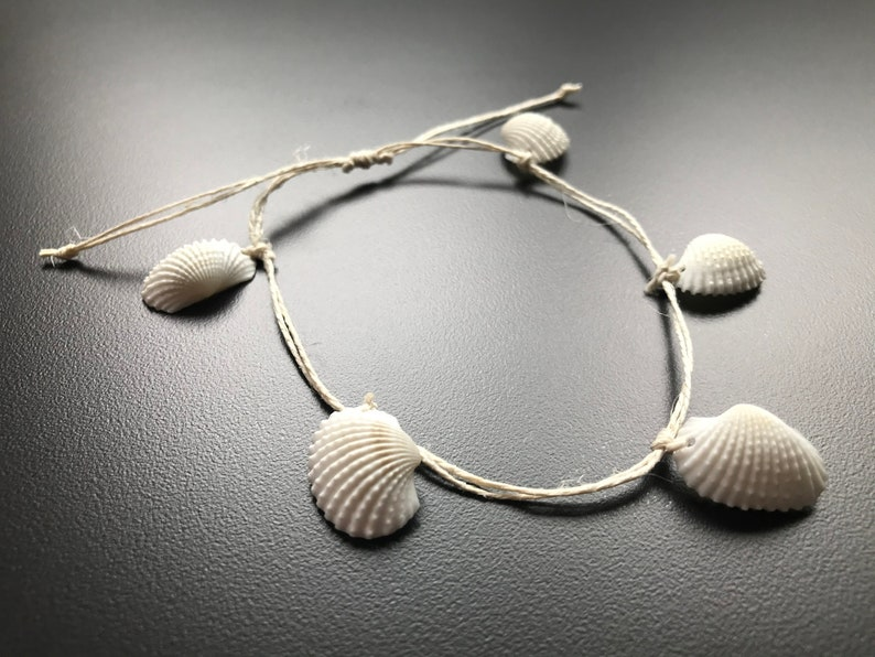 Earth-Friendly Seashell Ankle Bracelet Surfer Bracelet Natural Seashell Anklets Clam Shell Anklets Biodegradable Anklet, Beachy Jewelry