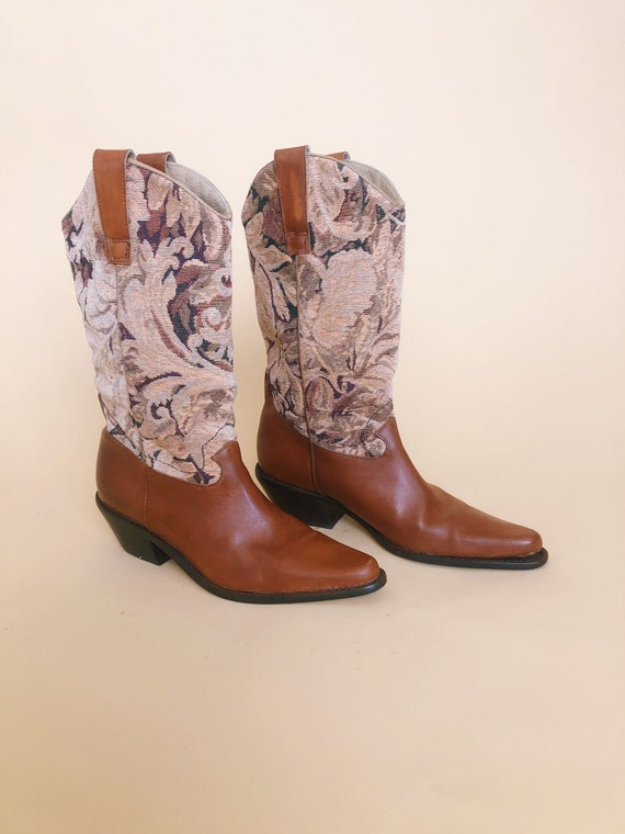 Tapestry Cowgirls Boots // Vintage Western Boots /