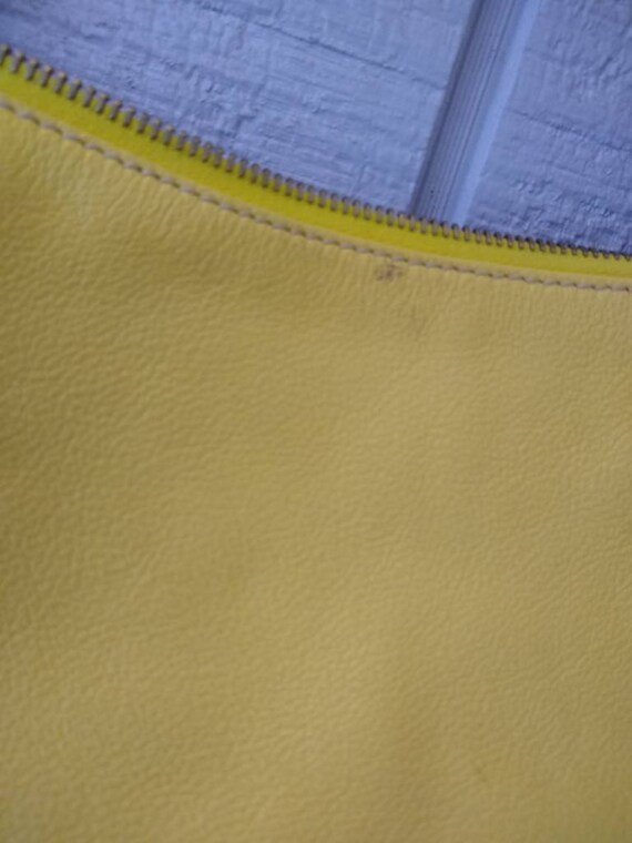 Dooney & Bourke Butter Yellow Soft Leather Large … - image 10