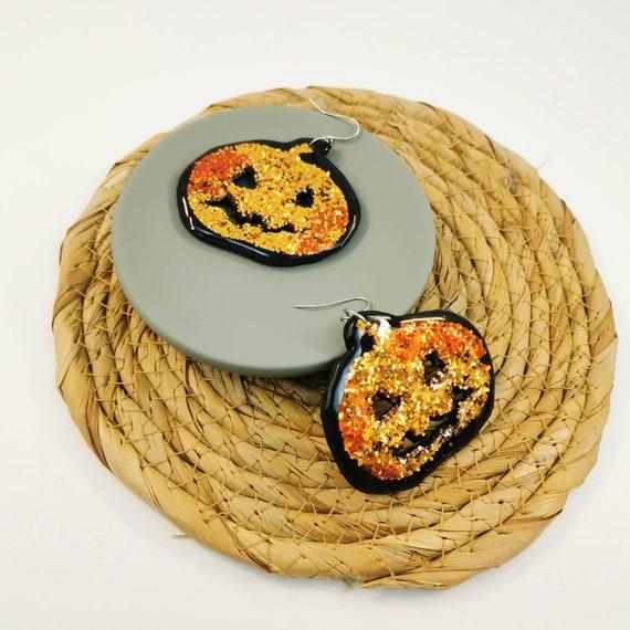 Glittery pumpkin earrings for Halloween