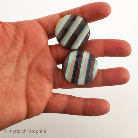 Striped round earrings