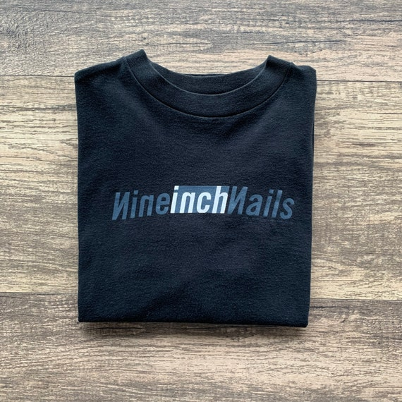 Vintage 90's Nine Inch Nails Band Tee Size Large