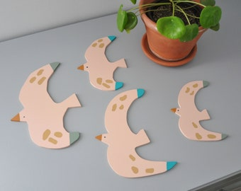 Wooden Couple of Birds - Add joy to your home & nursery wall with these cute birds wall décor - Best Valentines day gift for a nature lover