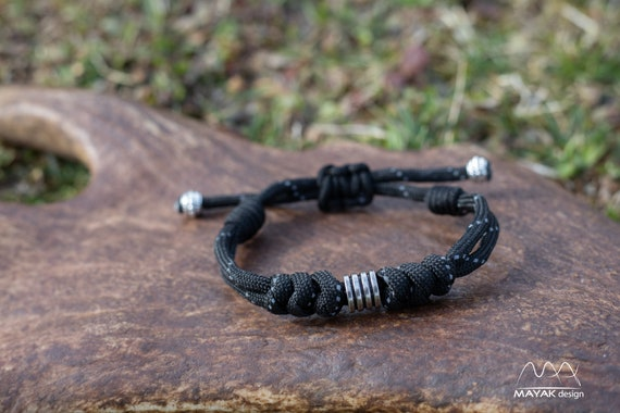 Paracord bracelet black reflective 4 mm handmade