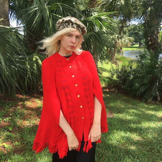 60s/70s Red Knit Cape