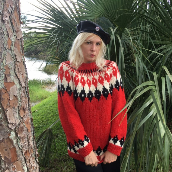 Beautiful 80s Hand Knit Fair Isle Sweater