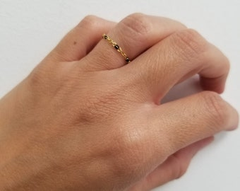 Ring beads resin black