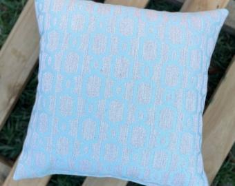 Chain Link Design Accent Pillow