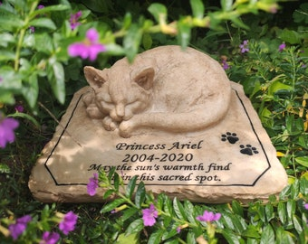 Cat Memorial Stone, Personalized Cat Memorial Gift, Cat Grave Markers with Sympathy Poem and Paw Print - Loss of Cat Gifts Garden Stone