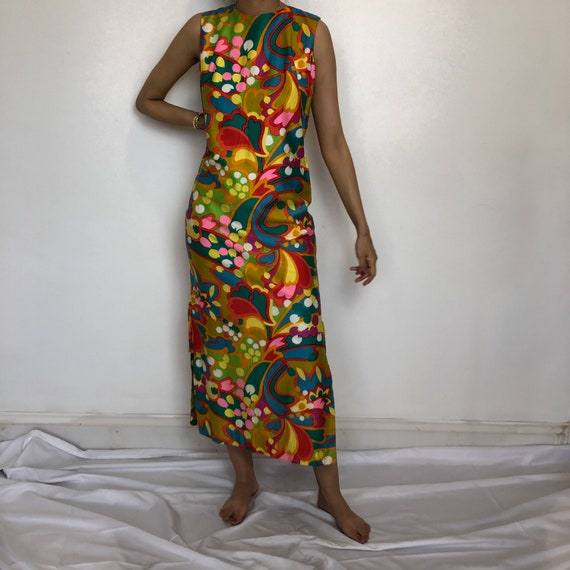 1960s Psychedelic Print Sleeveless Maxi Dress