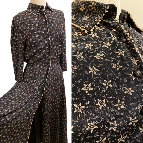 1940s Navy Calico Print Dressing Gown