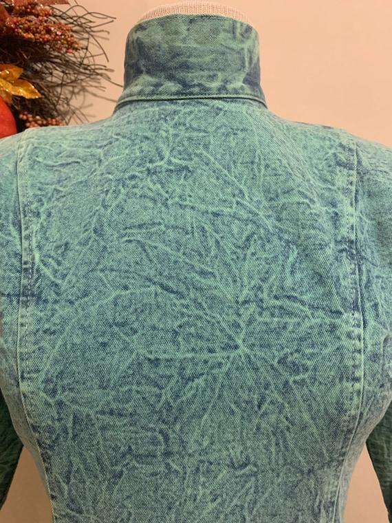 1980s Acid Wash Button-back Dress - image 5