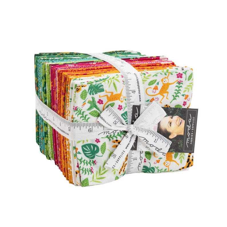 Jungle Paradise Fat Quarter Tower \u2013 Pre-Order \u2013 August Delivery by Stacy Iest Hsu 20780AB