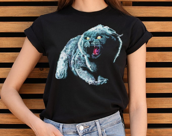 Black Cat Women's Graphic T Shirt