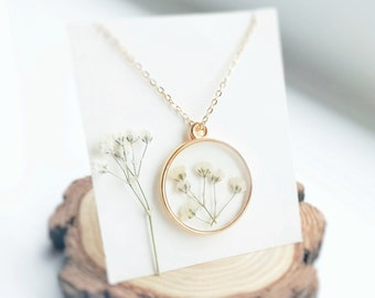 Minimalist necklace Dainty necklace Gold semicircle necklace Baby/'s breath Wildflower necklace Bridesmaid gift Botanical necklace