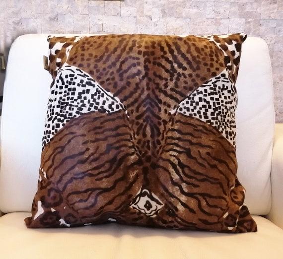 "18""x 18"" New hidden zipper Genuine Leather Pillow Cover Embossed Black//Gray"