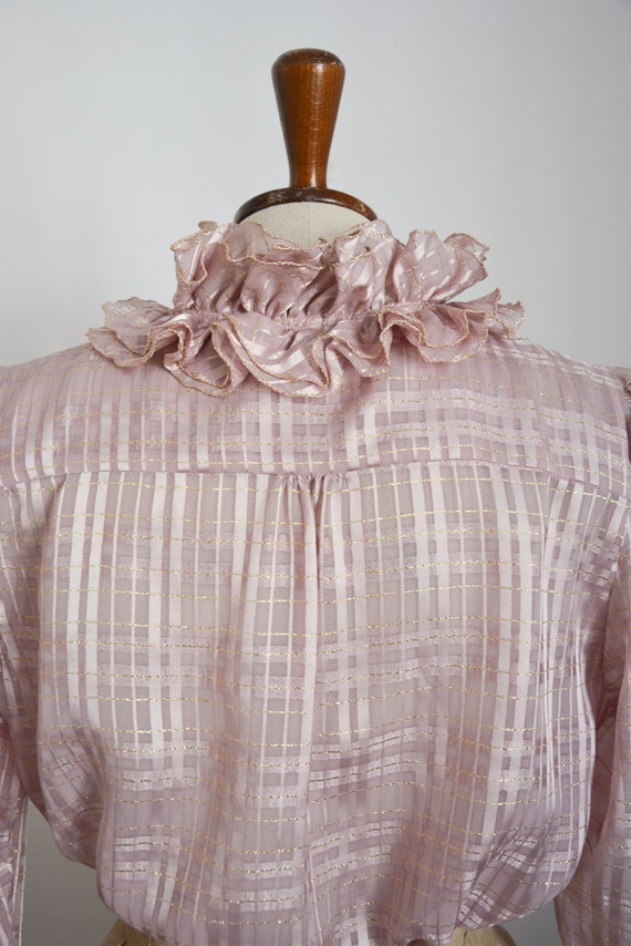 80s blouse with ruffle collar in lilac with golde… - image 4