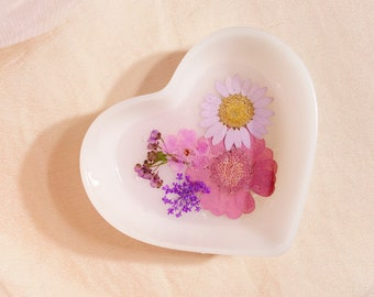 milky lilac • floral jewelry dish