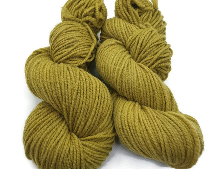 plant-dyed organic merino wool, thick, green, 100g strand, Finkho pistachio