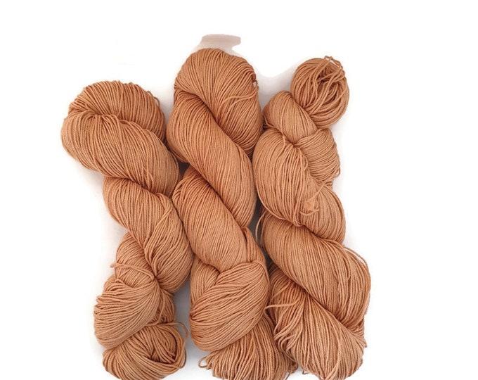 plant-dyed, natural sock wool, 100g strand, light orange, pinta -light orange-