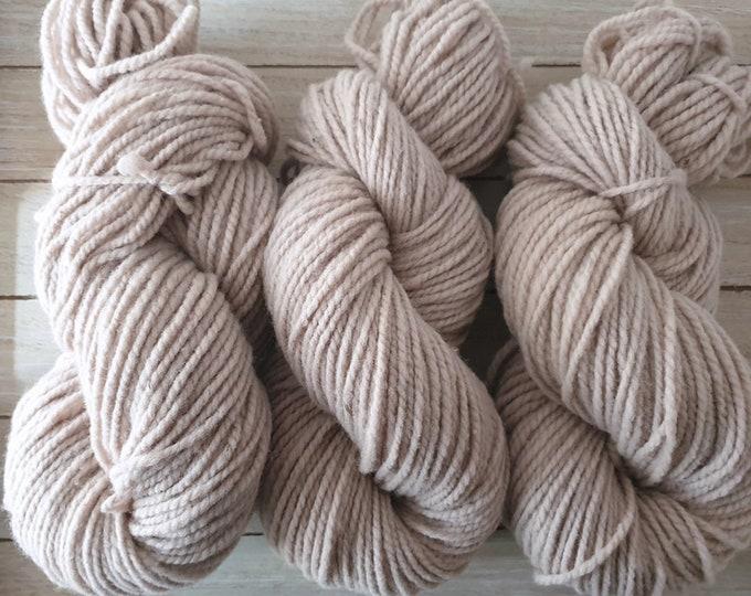 plant-dyed organic merino wool, thick, light grey-beige, 100g strand, Finkho-Greige-