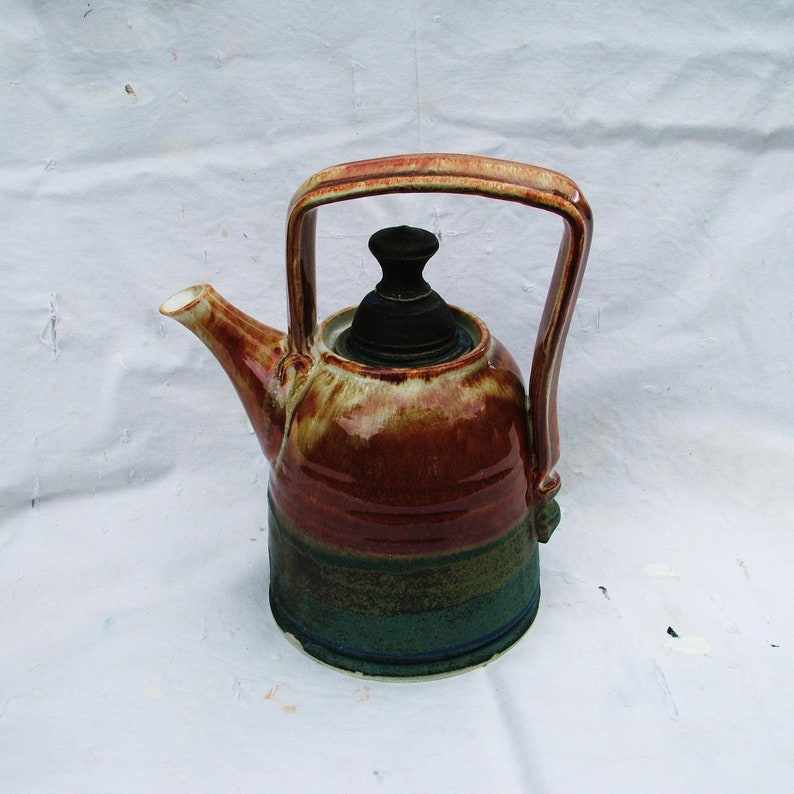 Hand-thrown Teapot 1.5 pints image 0