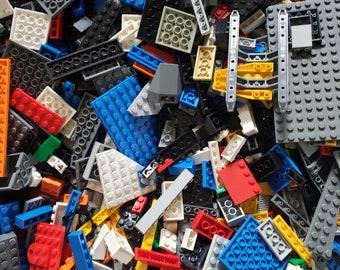 LEGO Blue Minifigure D Basket Castle Neck Body Piece Accessory