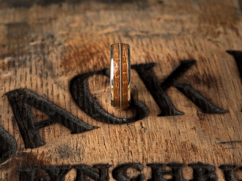 Genuine Jack Daniels Whiskey barrel wood ring with Guitar String Inlay Mens Sterling Silver /& Wood Wedding Band