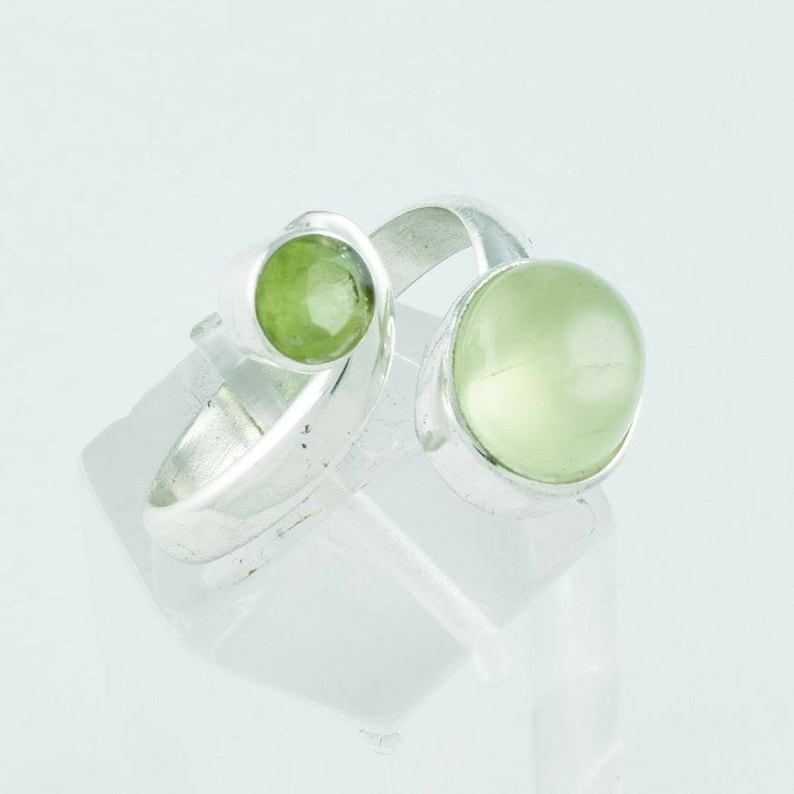Everyday Ring Natural prehnite Antique Dainty Ring Stacker Ring Statement Ring Sterling Silver Ring Vintage Prehnite Ring