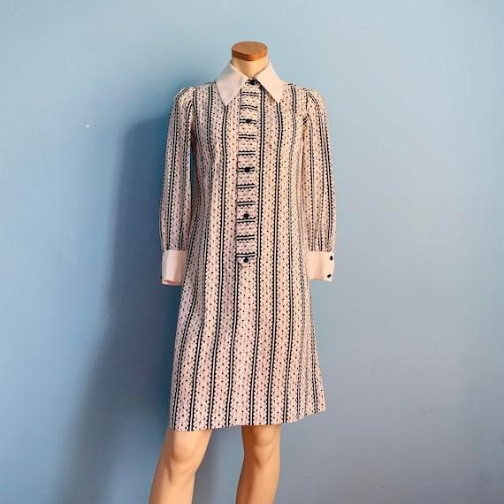 60's Mod Shirt Dress with Dagger Collar