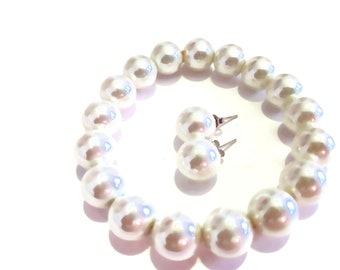 White Shell Pearl Stretch Bracelet and Stud Earrings in Sterling Silver (1.20 g) 206 ctw.