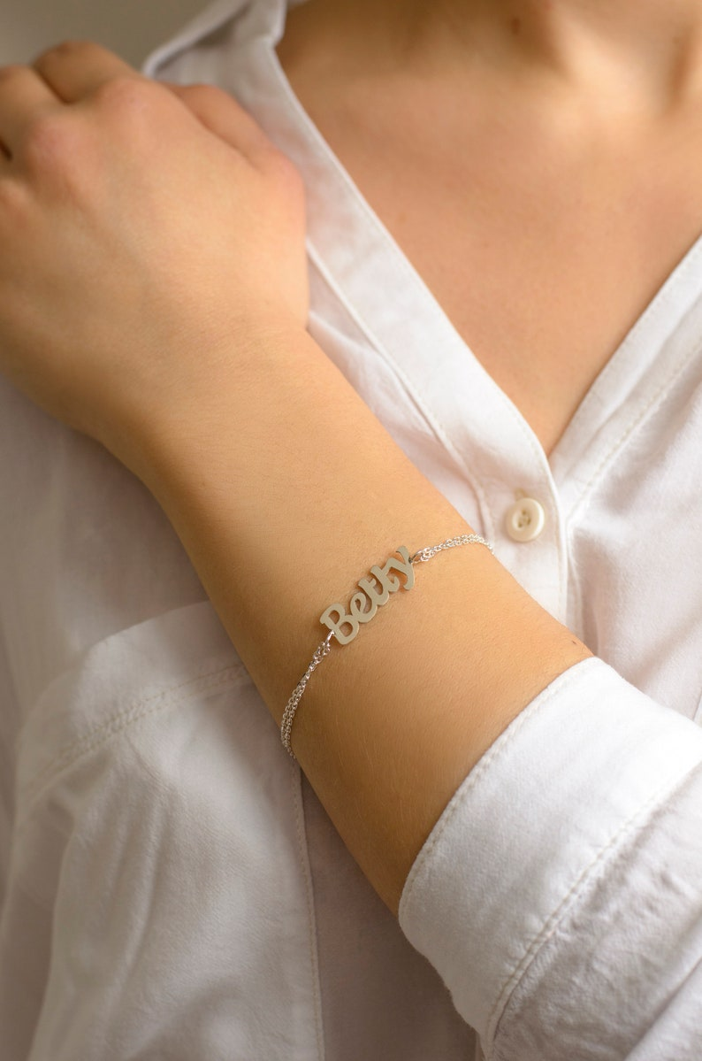 Gold Name Bracelet 14k Gold Dainty Gold Name Bracelet 925 Silver 25/%Off Name Bracelet Mother/'s Day Gift Curb Chain Jewelry