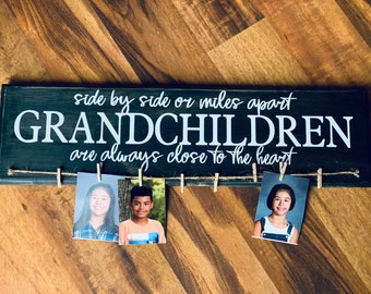 Jetec Grandkids Wooden Photo Holder Grandkids Make Life Grand Wooden Photo Frame Display Grandkids Hanging Photo Sign Board with Wooden Clips and Round Bead Ropes for Grandkid Family Picture Hanging