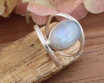 Oval Cabochon Natural Rainbow Moonstone Gemstone Semi Precious Gemstone Solid 92.5 Sterling Silver Ring Boho Ring Ring For Sister