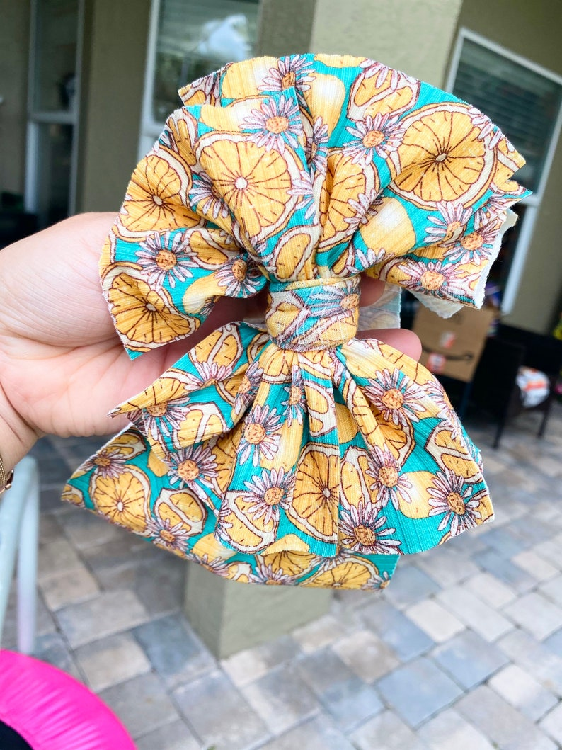 Lemon flower messy bow