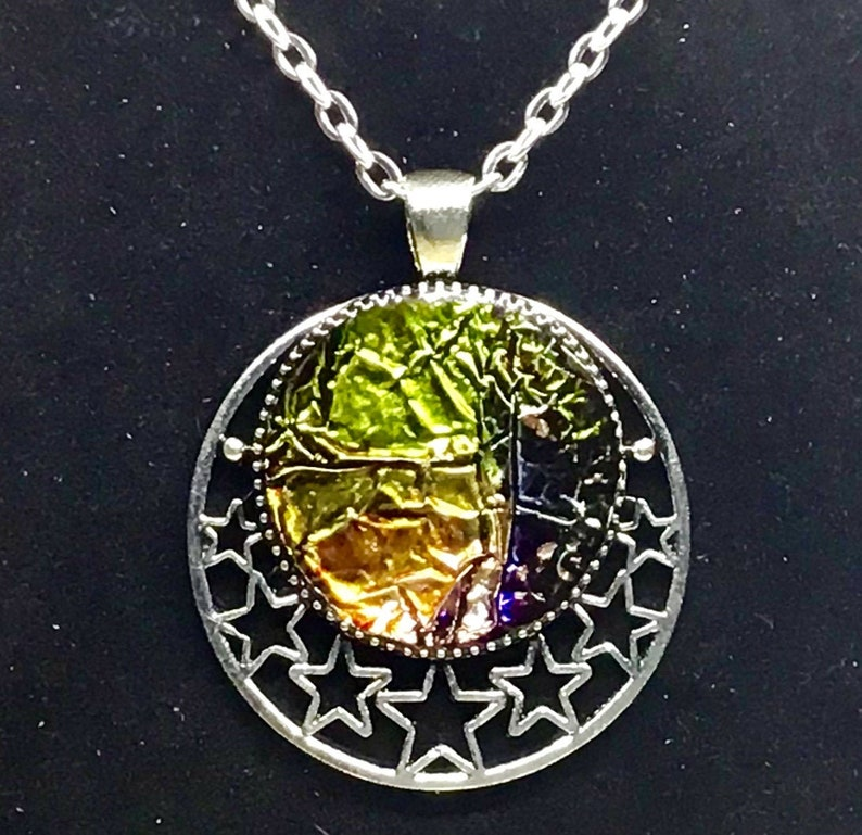 Colorful Pendant Modern Abstract Jewelry Gifts for Her Handmade Eyecatching Unique Necklace Dazzling Star Round Pendant Necklace