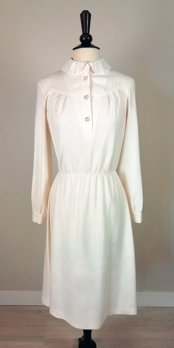 Romantic '70s dress in ivory color - image 2