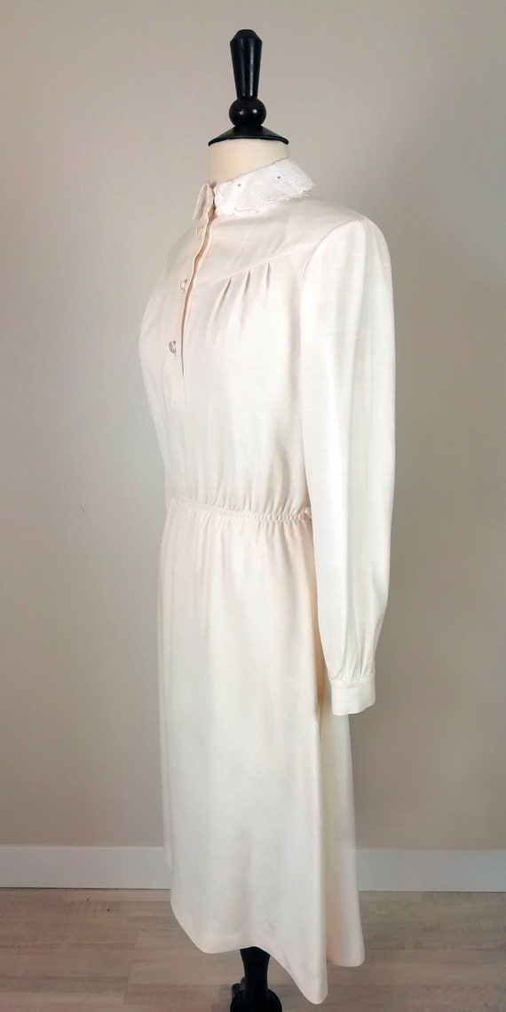 Romantic '70s dress in ivory color - image 3