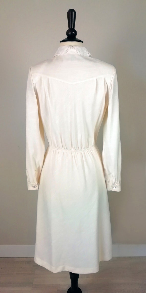 Romantic '70s dress in ivory color - image 5