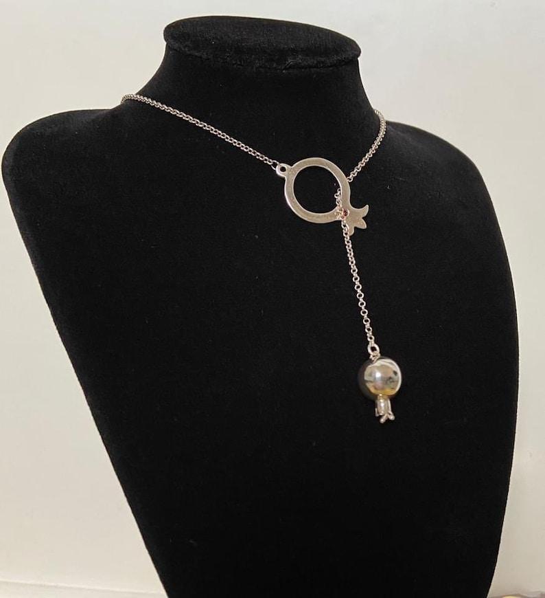 Handmade 925 Sterling Silver pendant with a carnelian gemstone