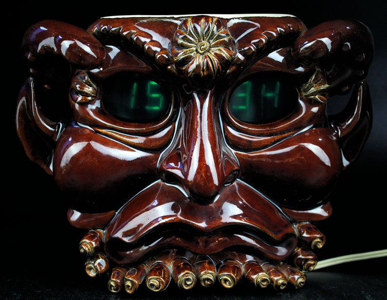 1991 rare cru diable d'horloge électronique, horloge murale, décor mural soviétique, horloge rare, décor, horloge vintage de mur, horloge de russie, russie souvenir