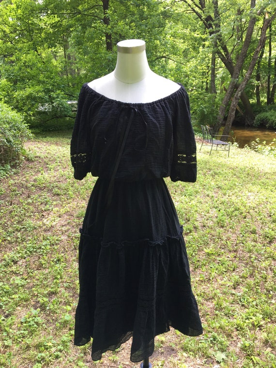 Breezy Vintage Off the Shoulder Black Cotton Gauze