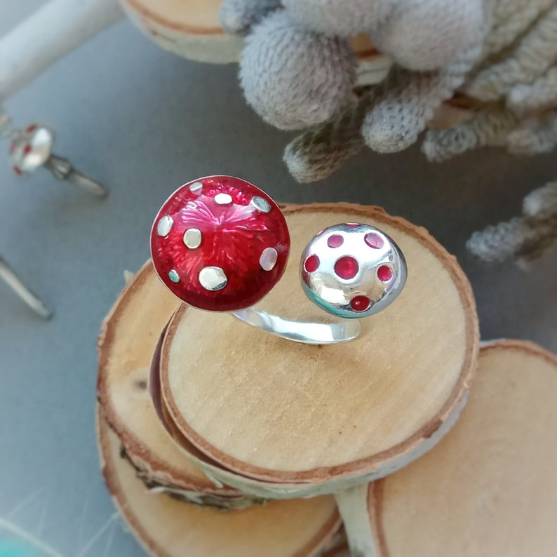 Mushroom Ring Made To Order Nature Inspired Jewlery custom made mushroom jewelry Ring with Mushrooms Forest ring for women under 30